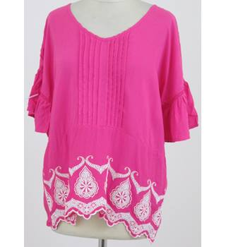 NWOT Tu, size 14 bright pink short sleeved sleep top