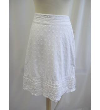 Fat Face - Size: 16 - White - Knee length skirt