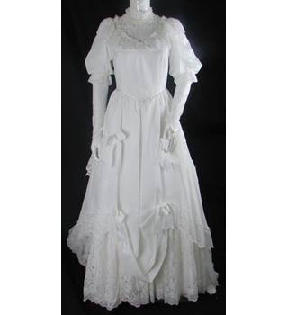 Vintage Unbranded Size 8 White Lace Wedding Dress Oxfam Gb Oxfams Online Shop