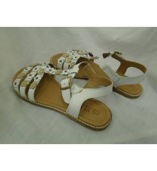 best price new authentic look good shoes sale M&S Marks & Spencer - Size: 2 - White - Sandals | Oxfam GB ...