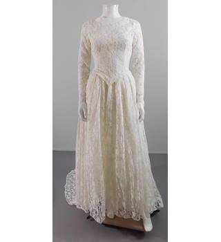 Vintage 1970 S Size 4 Lace Wedding Dress