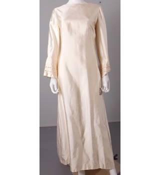 Vintage 1960s Size 12 Wedding Dress