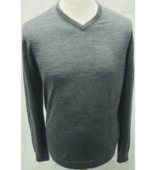 aa7e3787 H&M grey fine knit 100% merino wool v neck jumper size M H&