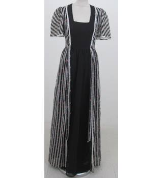 eaff45ecb9 Vintage Unbranded Size 12 black  amp  white stripe long dress