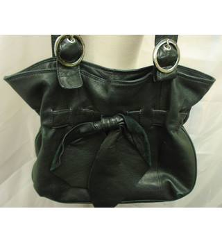 Lakeland Size M Black Handbag