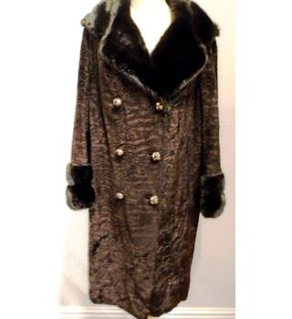 713d044221a Vintage - Dark Brown - Size M - Faux Fur Coat