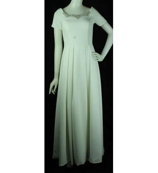 d46d4b45b6a0 BNWOT - Alan Hannah - Size: 10 - Ivory - Full Length Wedding Dress with