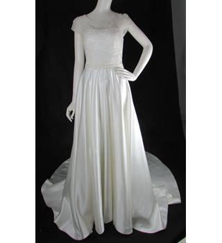 996a066b BNWOT - Alan Hannah - Size: 8 - Ivory - A-line Wedding Dress