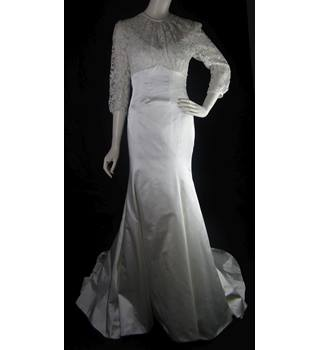 e3b046932e BNWOT - Alan Hannah - Size  8 - Ivory - Semi Lace Sheath Wedding Dress