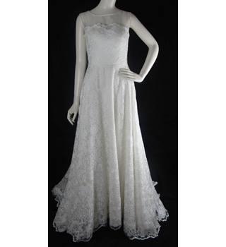 9bbe578a45 BNWOT - Alan Hannah - Size  8 - Ivory - A-Line Lace Wedding
