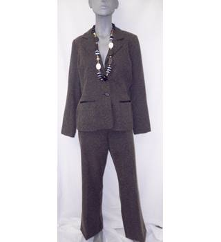 Editions - Size  14 - Brown flecked - Very smart trouser suit 0ccc107057