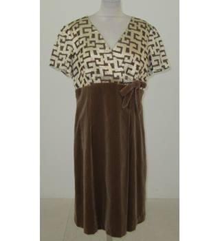 f13fd9707151 Vintage 1960 s Berbright Size  L Brown velvet and brocade dress