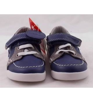 dc04c63b8f6f Men s Vintage   Second-Hand Shoes   Boots - Oxfam GB
