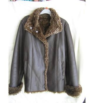 8b7b9e1dfc2e Vintage Women's Coats & Jackets - Oxfam GB