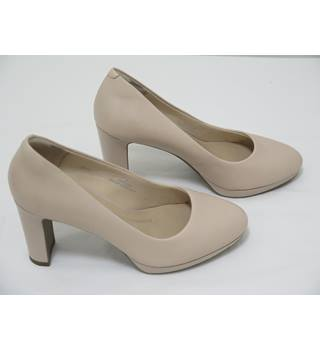 03ce44e6e88 M amp S Insolia Size 4 Wide Fit Nude Leather High Heeled Shoes