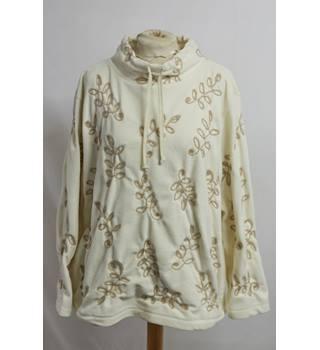d6f4f943870fb7 Liz Claiborne Fleece Top. Size M. Liz Claiborne - Size  14 - Cream