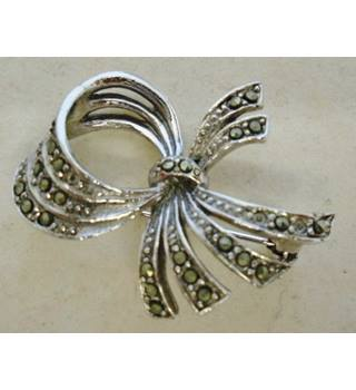 ab2a4beec09f5 Vintage Jewellery, Brooches & Necklaces - Oxfam GB