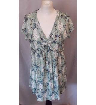 2968ac5a3a06b7 Women s Vintage   Second Hand Tops - Oxfam GB