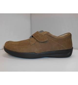 bd0a14a5381e Men s Vintage   Second-Hand Shoes   Boots - Oxfam GB