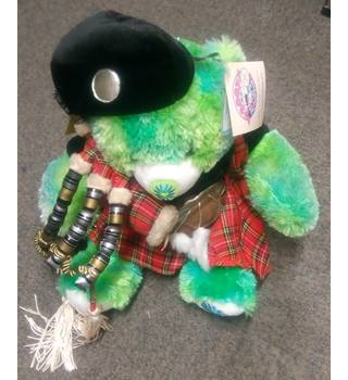 638b586f138 Second-Hand   Collectable Dolls   Bears - Oxfam GB