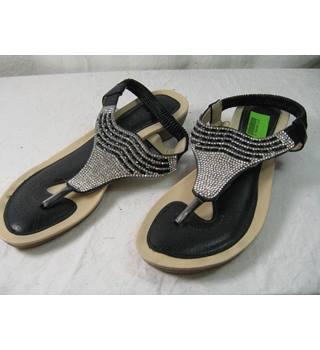 44399ab0fcf Kelski size 6 toe post sandal