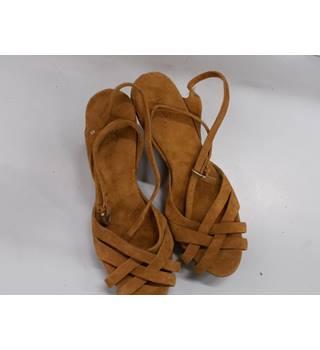 21cd5f12e1c Women s Second Hand   Vintage Shoes