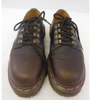 09533e7a4f4 Vintage Dr Marten s 8098 size 4 brown leather Oxford shoes