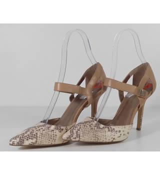 7da644c14 NWOT BCB Generation Beige Reptile Print Stiletto Sandals Size 9.1 2