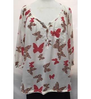 b44c4e882ba6 Women s Vintage   Second Hand Shirts   Blouses - Oxfam GB