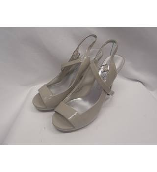 d410c08a15e54 Limited Collection Grey Coloured Open Toe High Heeled Shoes Limited  Collection - Size: 6 -