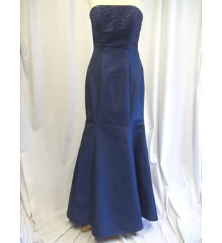 d4209a75a99 Women s Second-Hand Evening Dresses   Evening Wear - Oxfam GB