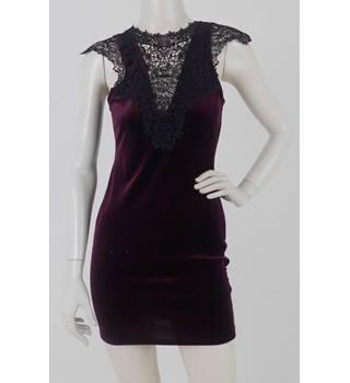 208b0b834b8e BNWT Topshop - Size: 10 Petite - Purple Velvet & Lace - Mini dress