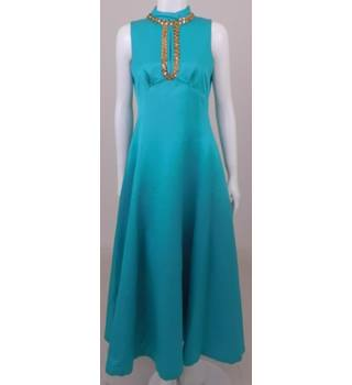 a84d0290be8 Vintage 70s Unbranded Size S turquoise sleeveless evening dress