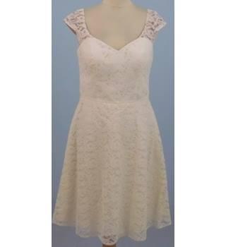 d4209a75a99 Women s Second-Hand Evening Dresses   Evening Wear - Oxfam GB