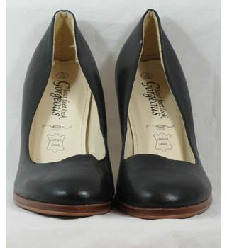 857142456b New Look size UK 5 Euro 38 black leather heeled court shoes. 3&#0189