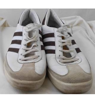 003a8caecd55a Adidas size 9 white  amp  brown Beckenbauer Allround trainers