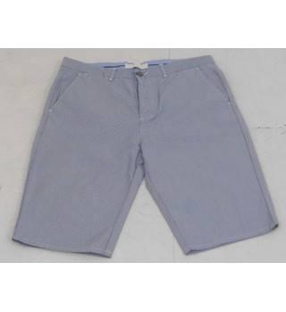 c2c531d8a7 River Island Size W32 / L34 Grey Skinny Shorts