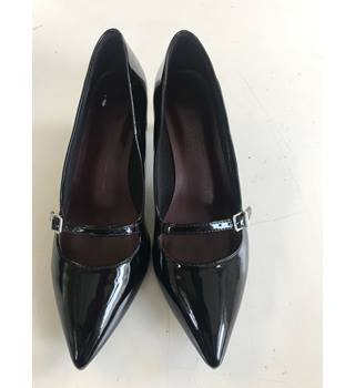 a84a38516f5 Patent Shoes M amp S Marks  amp  Spencer - Size  ...