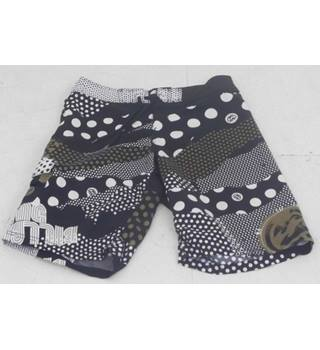 "7f1d6d88a8 Billabong Size 33"" Waist Black & White Patterned Board Shorts"