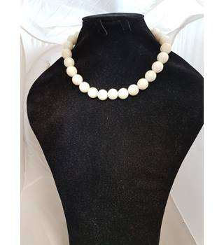 7850c846b White Pearl Necklace Unbranded - Size  Small - Cream   ivory - Necklace