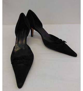 3318f563ce New without Tags L K Bennett black suede court shoes size 7 L K Bennett -  Size: