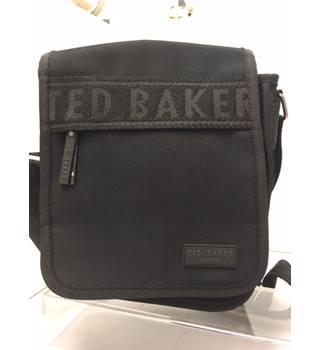 c7f283913073ac Women's Second-Hand Handbags, Backpacks & Purses - Oxfam GB