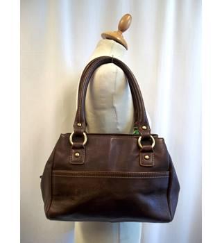 d5c0bf8941ab Women's Second-Hand Handbags, Backpacks & Purses - Oxfam GB