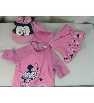 BNWT Disney top and trousers and hat Minnie ...