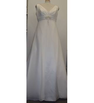 8a9c4e933c6 D ZAGE wedding dress D ZAGE - Size  16 - Cream   ivory