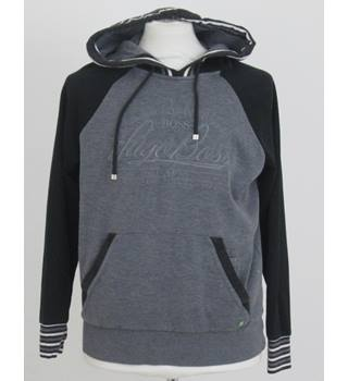 1028f0a00 Men s Vintage   Used Hoodies   Sweatshirts - Oxfam GB