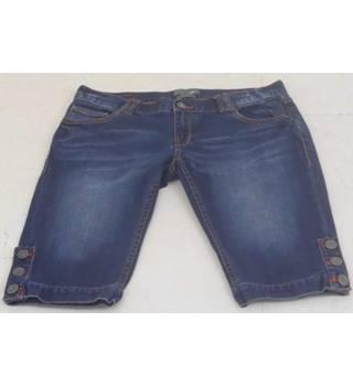 "8d39e79c Ted Baker Size 30"" Waist Mid-blue Stretch Denim Shorts"