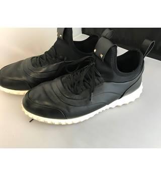 076f6867 VALENTINO Garavani Black Trainers Size 7 Valentino - Black