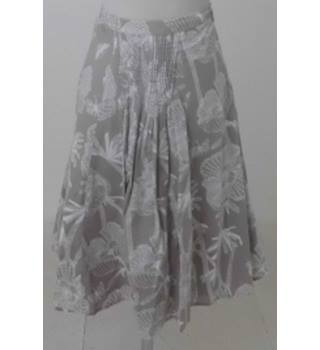 7c9c39ffa0077 White Stuff Size 12 Beige and White Floral Skirt