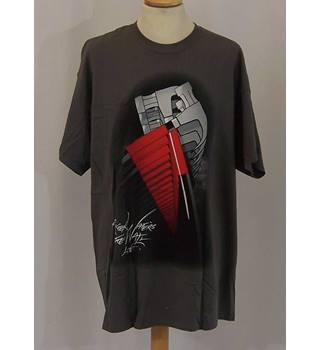 83a9cf6e5 Roger Waters The Wall Live - Size: XL - Grey/black/red short